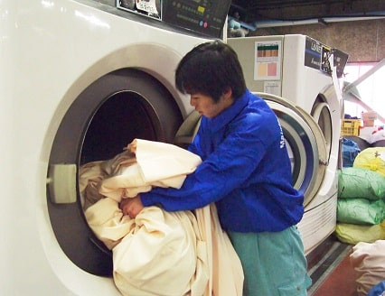 Lợi ích khi giặt rèm cửa