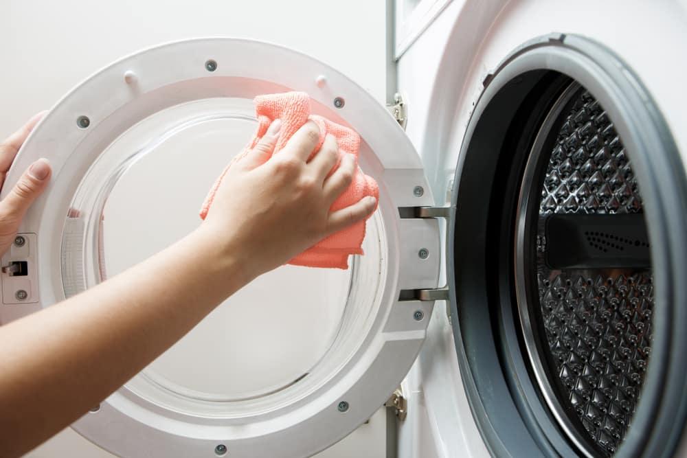 Các cách làm sạch lồng máy giặt cửa trên và cửa trước
